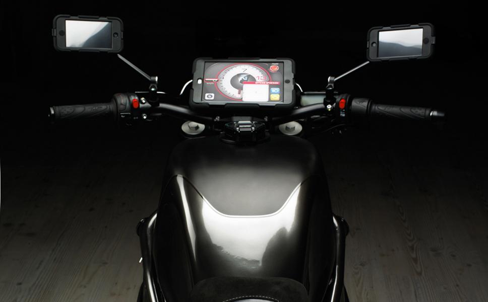 One, la moto con device apple. Automotive e graphic design. BwithC