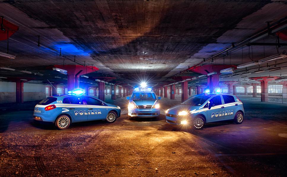 Fotografia di veicoli della Polizia. BwithC